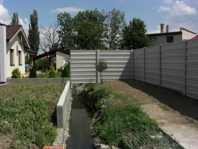 Betónový plot, Sucha nad Parnou