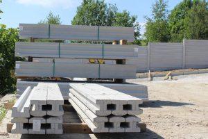 Správne uložený materiál na stavbe ho ochráni pred poškodením