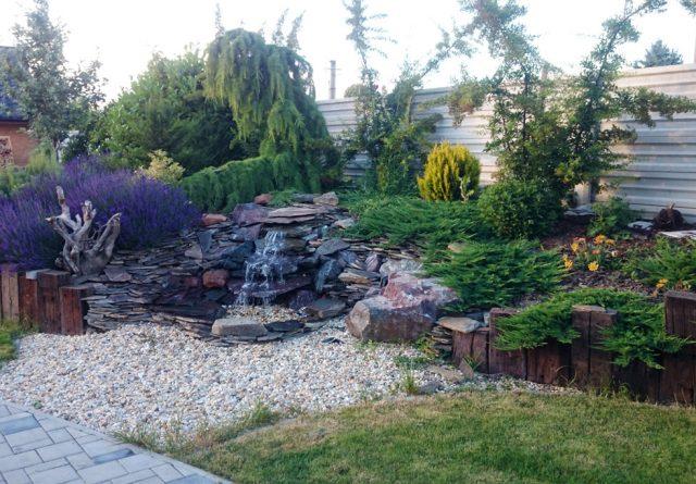 Účelnosť a estetika v prepojení do záhradnej architektúry